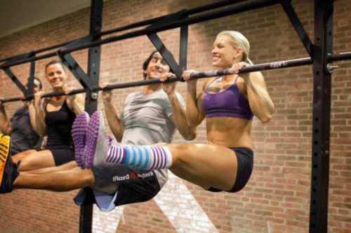 кроссфит и приседания: названы самые опасные виды фитнеса